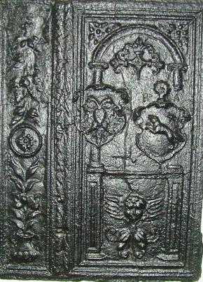Takenplatte mit dem Wappen von Abt Biwer (1581-1613) und einem Doppelkopfadler
